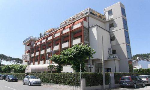 Hotel Nuova Sabrina, Hotel a Marina di Pietrasanta