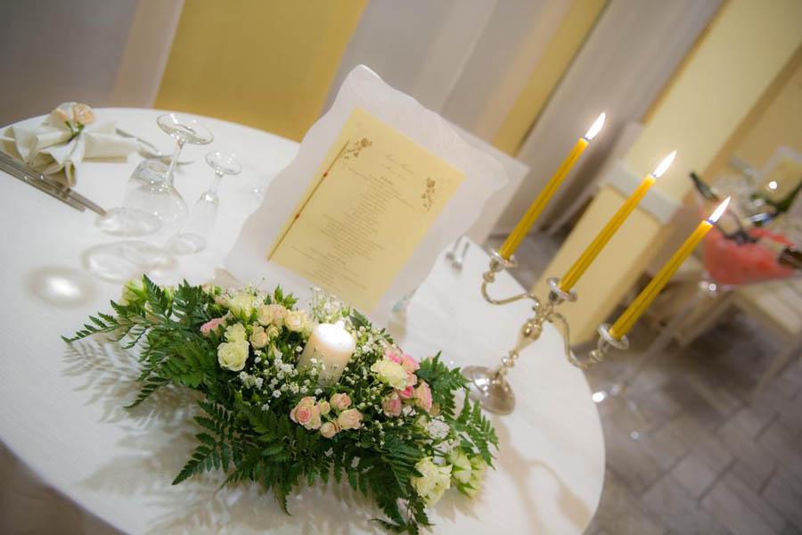 Particolare tavolo sala da pranzo hotel Nuova Sabrina a Marina di Pietrasanta