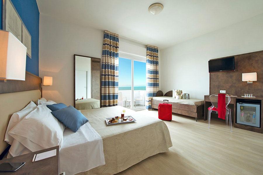 hotel a lido di Camaiore, camera multipla hotel Giulia