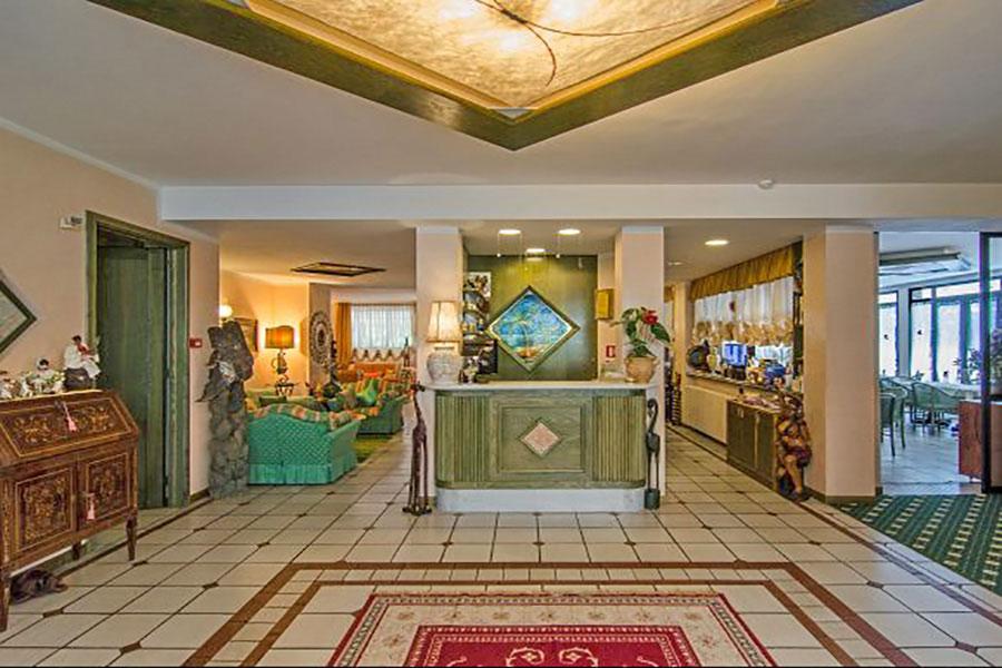 Hotel a Forte dei Marmi, hall hotel Kyrton